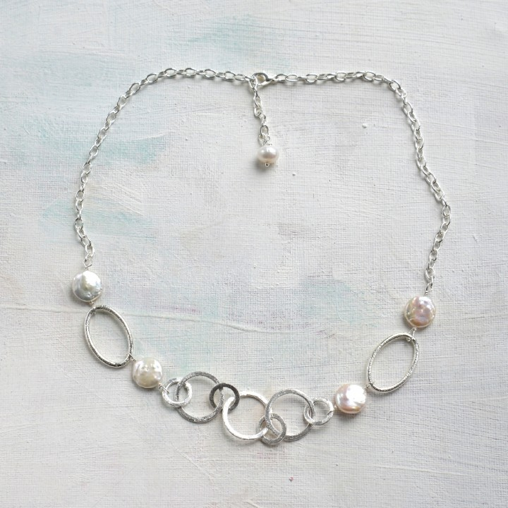Adjustable chain jewellery