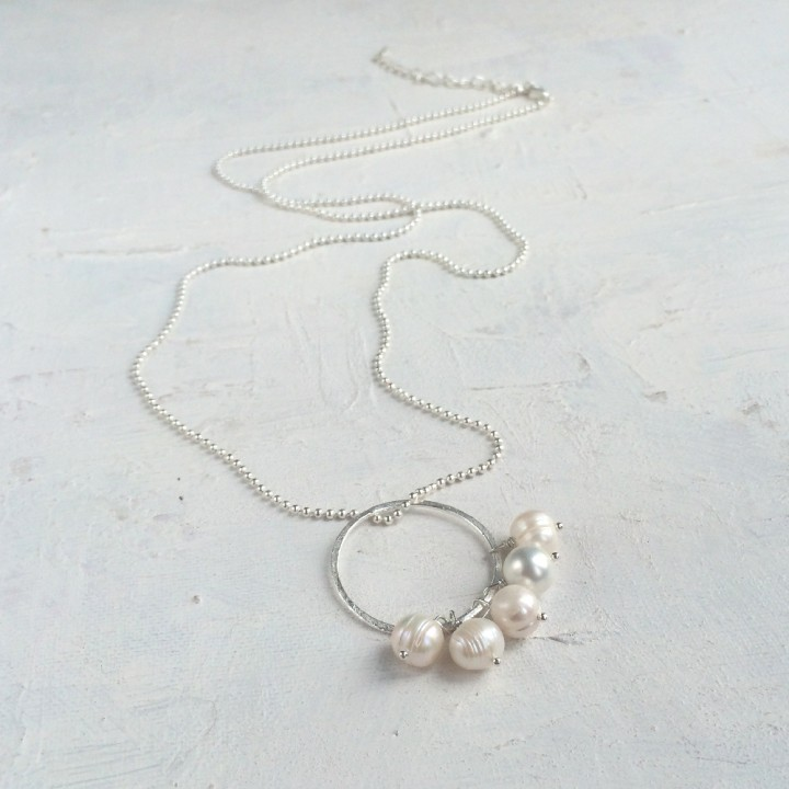 Long pearl pendant